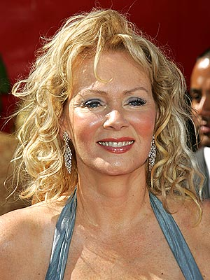 "Jean Smart To Guest on ""Hot in Cleveland"" - Sitcoms Online Message ..."