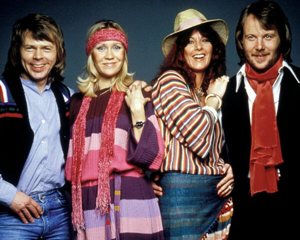 Name:  Agnetha-Anni-Frid-Bjorn-Benny-UNSIGNED-photograph.jpg