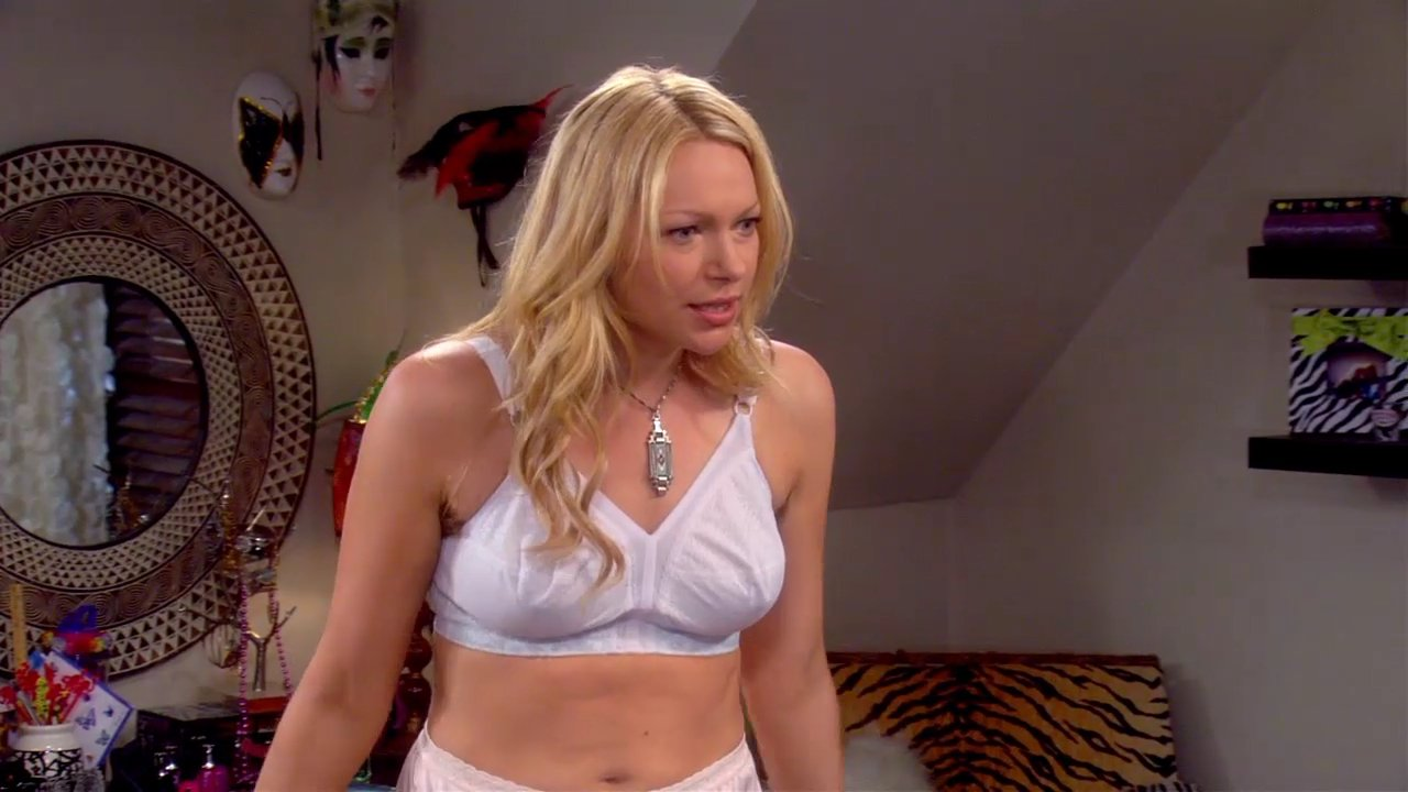 Name:  Laura%20Prepon%20-%20Are%20You%20There%20Chelsea%20-%20S01E06_2.jpg Views: 390 Size:  100.8 KB