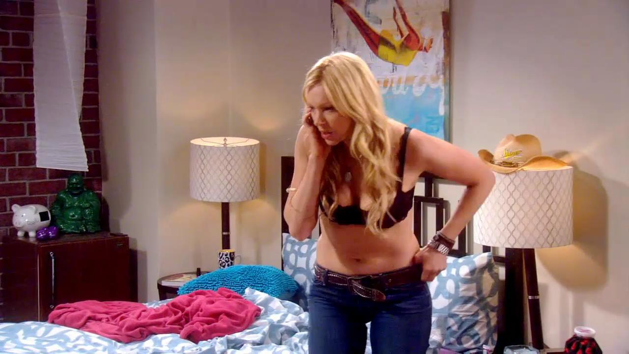 Name:  Laura%20Prepon%20-%20Are%20You%20There%20Chelsea%20-%20S01E01_4.jpg Views: 155 Size:  87.9 KB