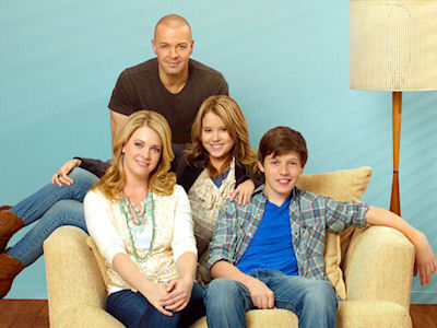 Cast of Melissa & Joey