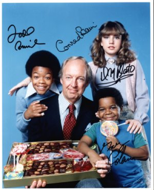 Diff'rent Strokes autographed cast photo