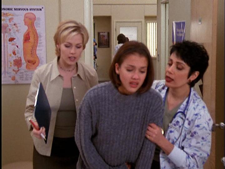 Znalezione obrazy dla zapytania jessica alba Beverly Hills, 90210