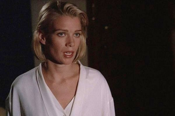 xF4LaurieHolden