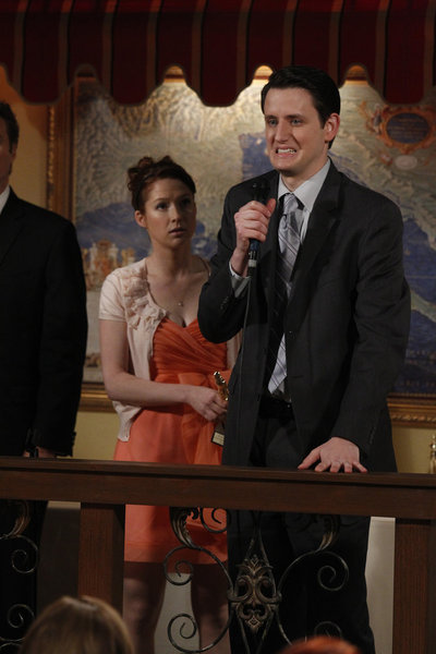 Zach_Woods_and_Ellie_Kemper_in_The_Off