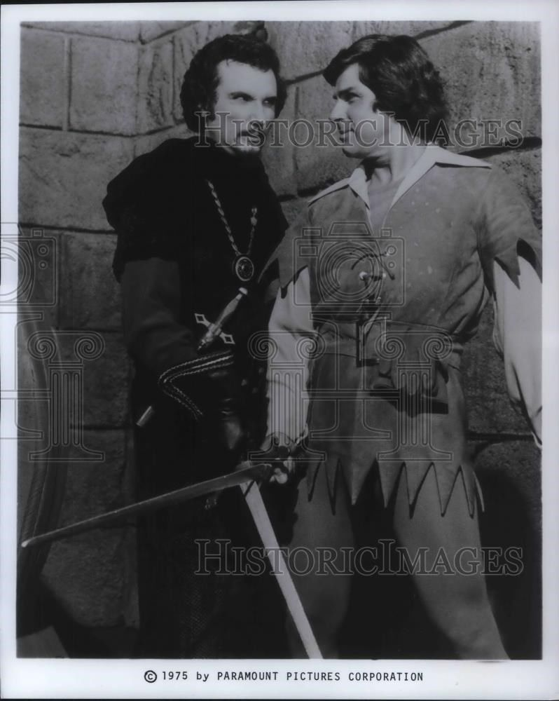 1975_Press_Photo_Dick_Gautier_and_Henry_Polic_II_on_When_Things_Were_Rotten