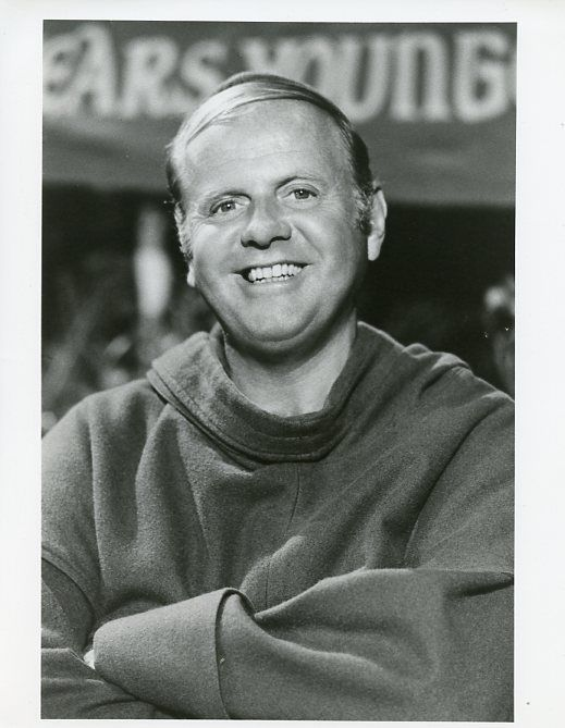 DICK_VAN_PATTEN_SMILING_PORTRAIT_WHEN_THINGS_WERE_ROTTEN_ORIG_1975_ABC_TV_PHOTO