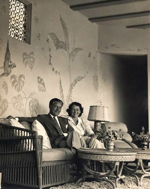 Ronald_and_Benita_Colman_at_home_in_the_late_1930s_