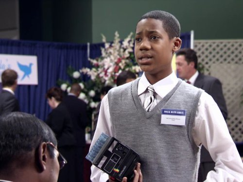 Tyler_James_Williams_in_Everybody_Hates_Chris_2005_rerere