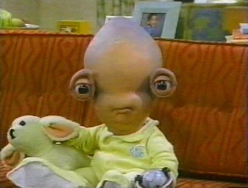 Aliens_In_The_Family_02-Bobut