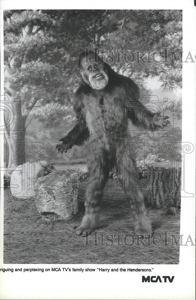 Press_Photo_A_scene_from_the_television_series_Harry_and_the_Hendersons_