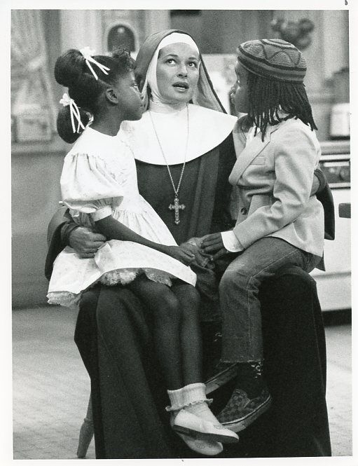 STEPHANIE_BEACHAM_JOEL_ROBINSON_ALEXAUNDRIA_SIMMONS_SISTER_KATE_89_NBC_TV_PHOTO