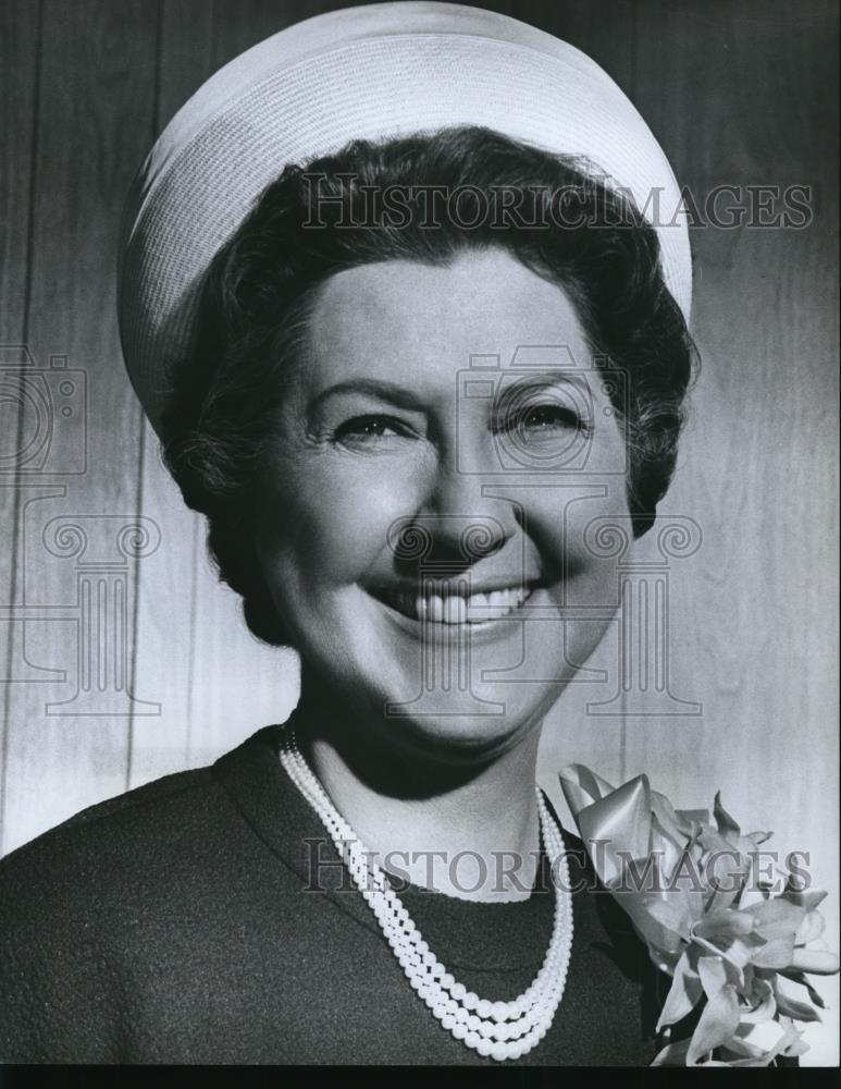 1966_Press_Photo_Actress_in_Occasional_Wife