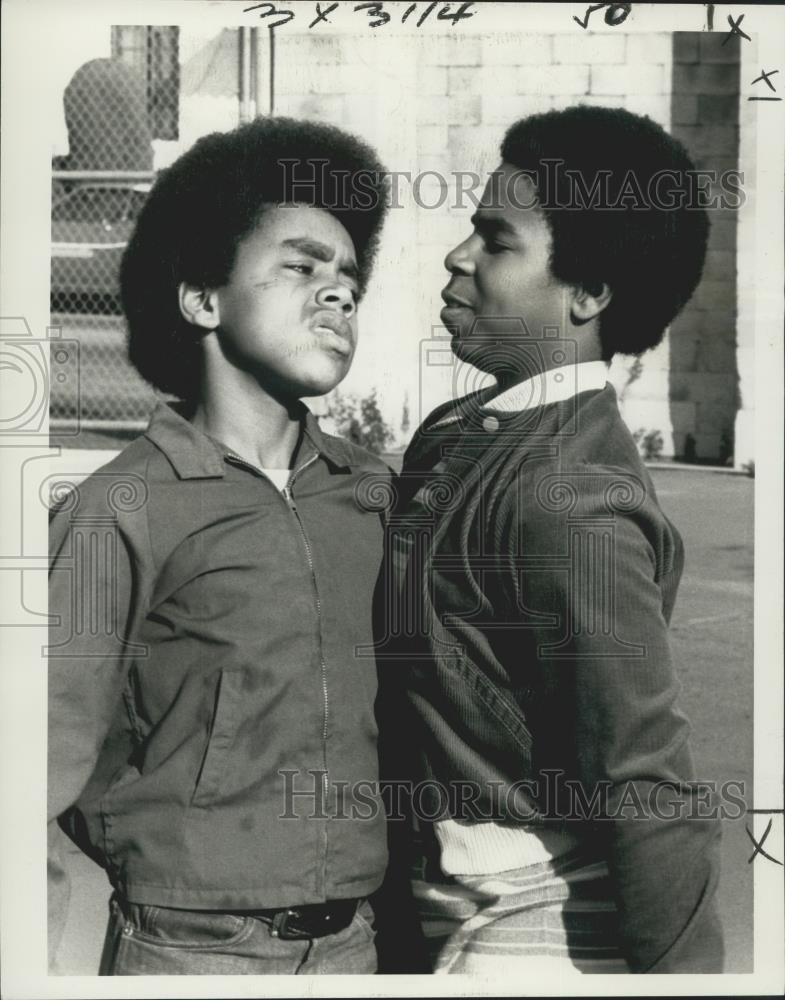 1976_Press_Photo_Actors_Marc_Copage_Tierre_Turner