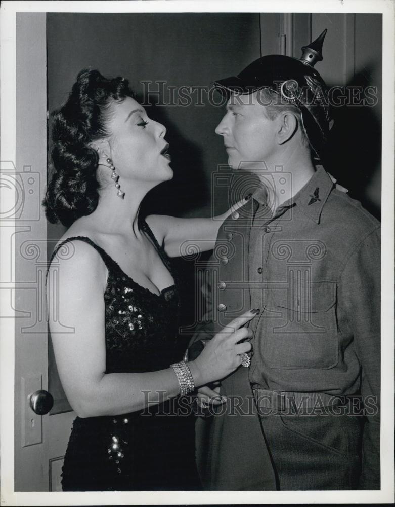 1955_Press_Photo_Veola_Vonn_Donald_O_Connor