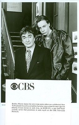 YOUNG_HARLEY_CROSS_LEATHER_JACKET_DUDLEY_MOORE_DUDLEY_TV_SHOW_1993_CBS_TV_PHOT