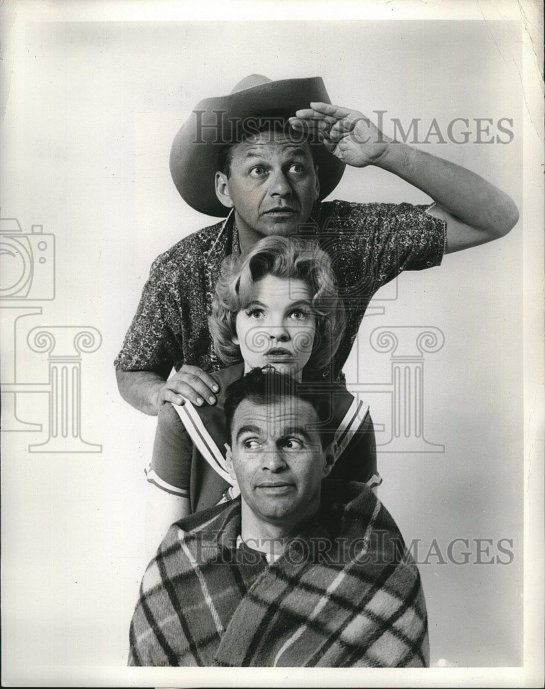 Press_Photo_Johnny_Wayne_Maureen_Arthur_Actress_Frank_Shuster_Holiday_Lounge