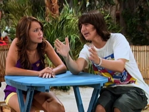 Mitchel_Musso_and_Miley_Cyrus_in_Han