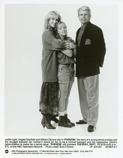 s-l1600JUDITH_LIGHT_ANGELA_GOETHALS_WILLIAM_DEVANE_PHENOM_ORIGINAL_1993_ABC_TV_PHOTO