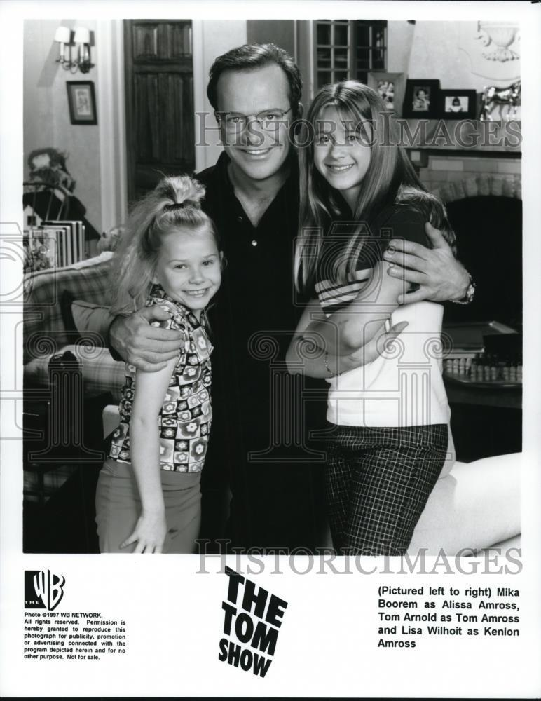 1997_Press_Photo_Mika_Boorem_Tom_Arnold_and_Lisa_Wilhoit_in_The_Tom_Show