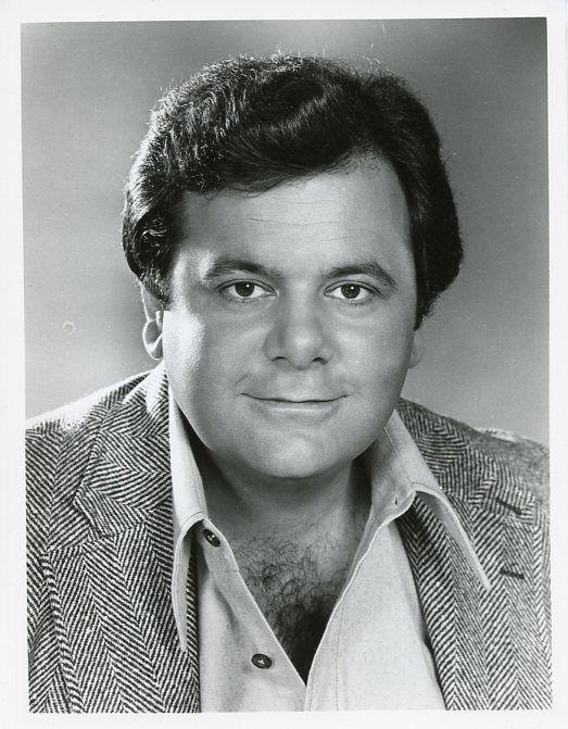 PAUL_SORVINO_SMILING_PORTRAIT_WE_LL_GET_BY_ORIGINAL_1975_CBS_TV_PHOTO