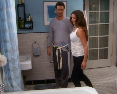 Oliver Hudson and Bianca Kajlich - Sitcoms Online Photo Galleries
