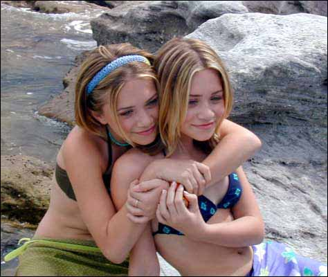 Бесплатные голые фото сестер
