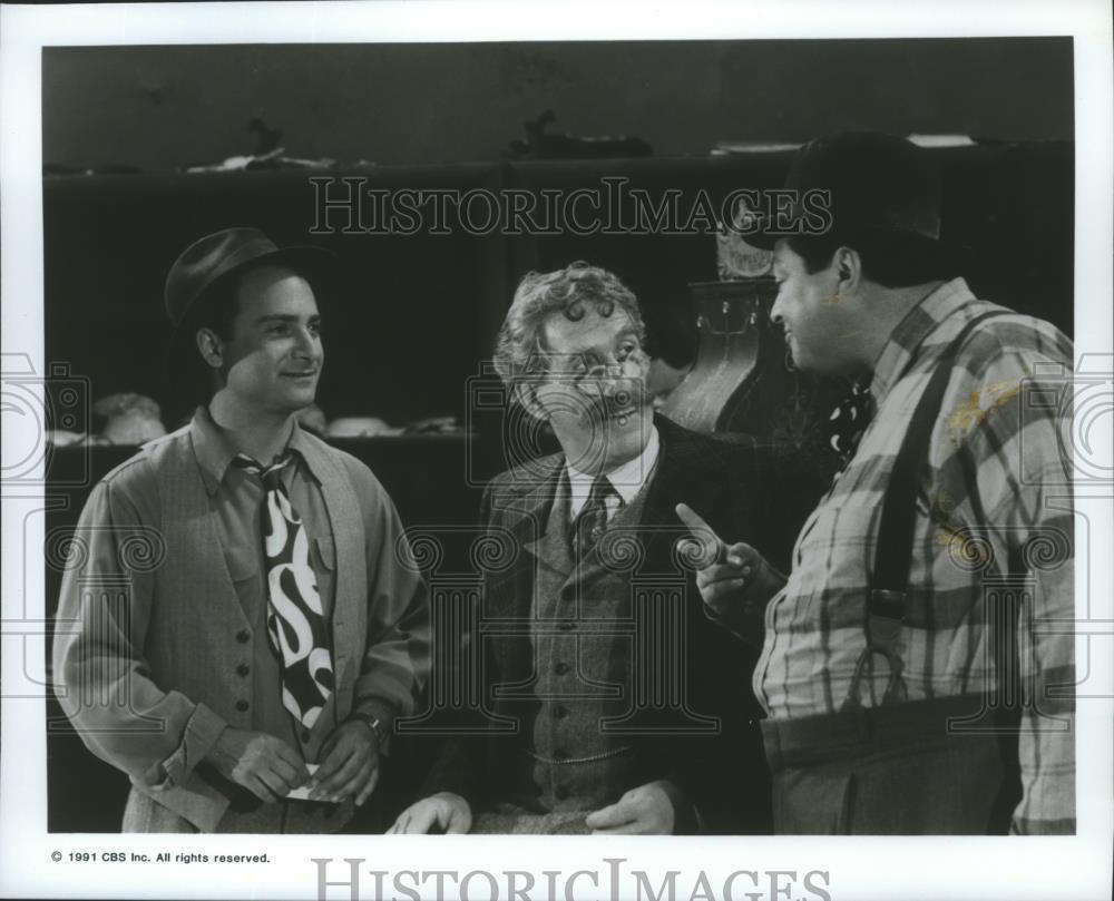 1991_Press_Photo_Kevin_Pollak_Bob_Amaral_Paul_Benedict_on_Morton_Hayes_