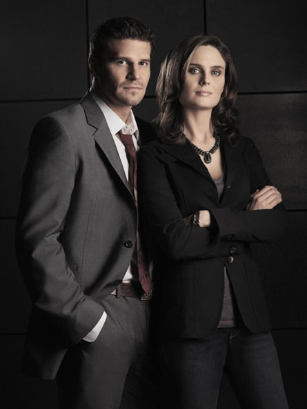 Emily Deschanel and David Boreanaz - Sitcoms Online Photo ...