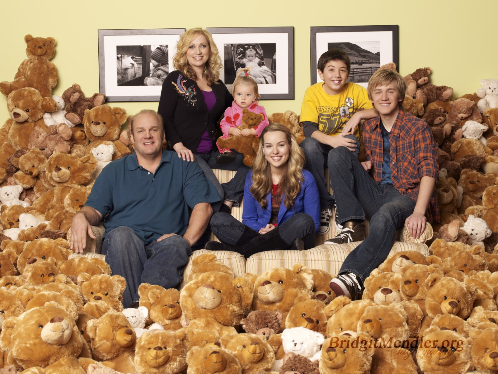 Home » Sitcoms » Current Sitcoms » Good Luck Charlie
