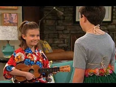 Hannelius and Bradley Steven Perry - Sitcoms Online Photo Galleries