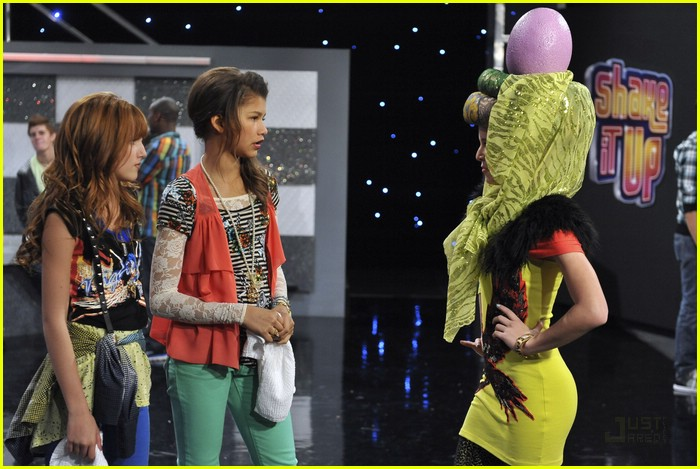 Pics Of Zendaya From Shake It Up. bella-zendaya-heat-shake-up-22