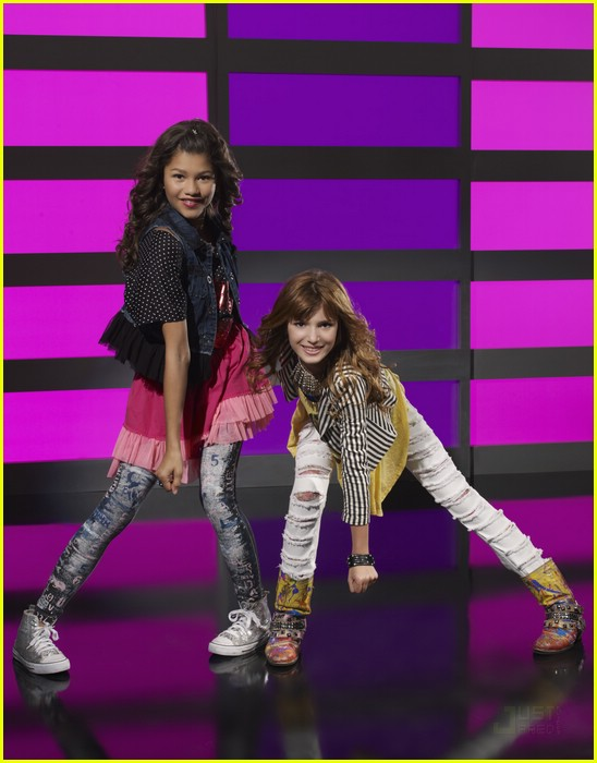 wo bekommt man so ausgefallene leggings hosen wie die aus shake it up haben klamotten hose. Black Bedroom Furniture Sets. Home Design Ideas
