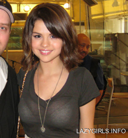 what is selena gomez bra size. selena gomez in a ra.