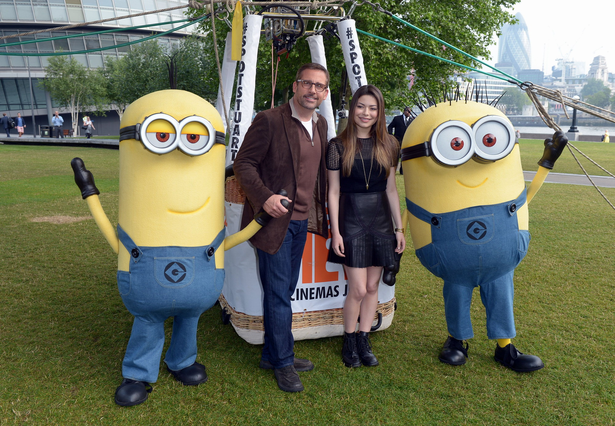 MirandaCosgrove_DispicableMe2Photocall_London_1_