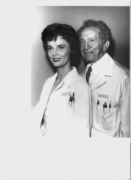 Download this Bettye Ackerman And Sam Jaffe picture