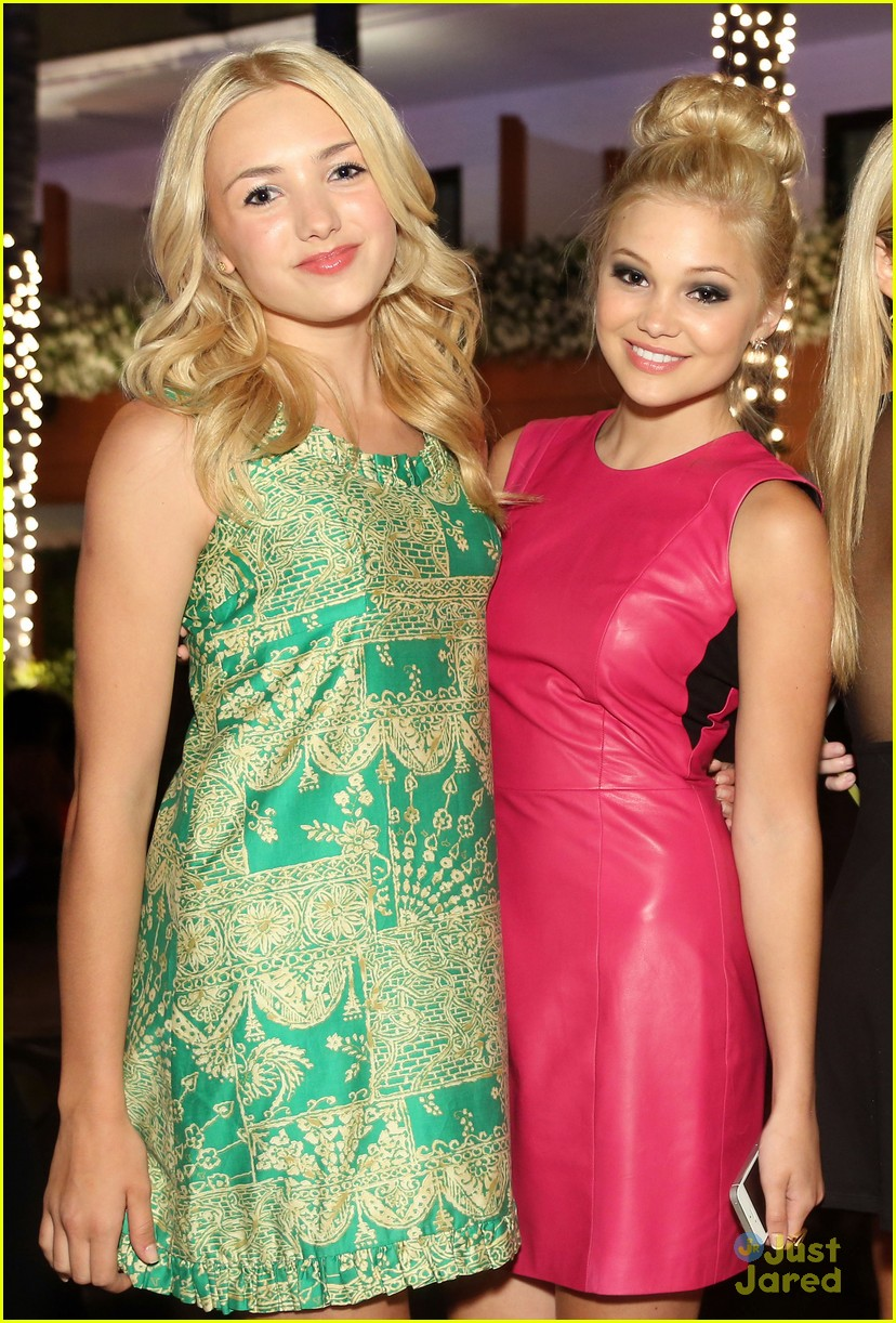 Peyton Roi List With Olivia Holt Sitcoms Online Photo Galleries