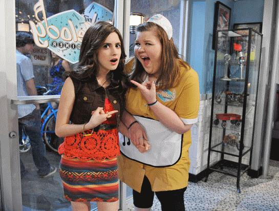Laura_Marano_Ashley_Fink_Diners_Daters_