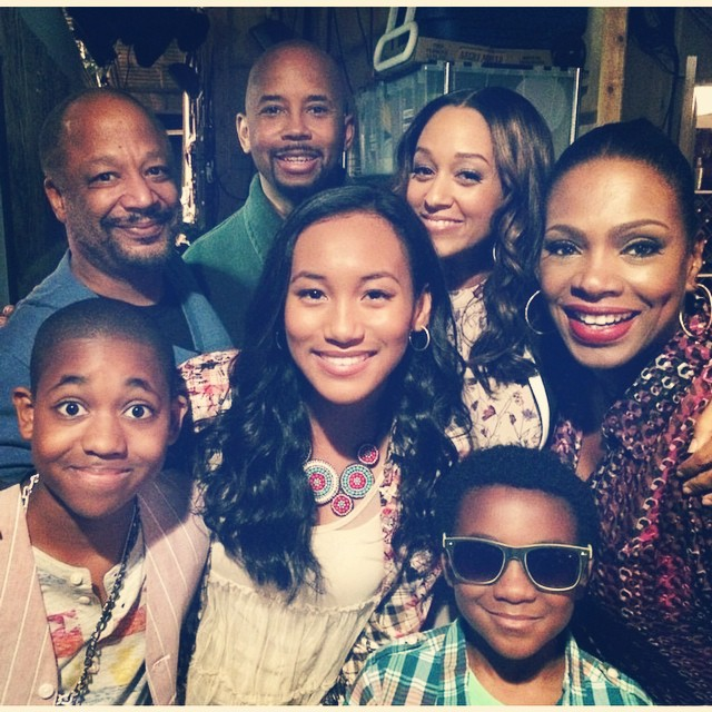 Tia-Mowry-and-Cast-of-Instant-mom
