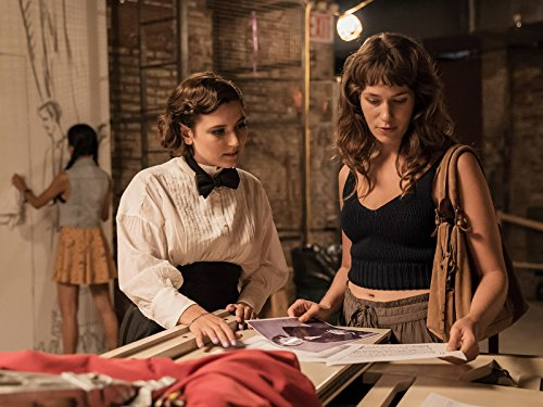 Hannah_Dunne_and_Lola_Kirke_in_Mozart_in_th