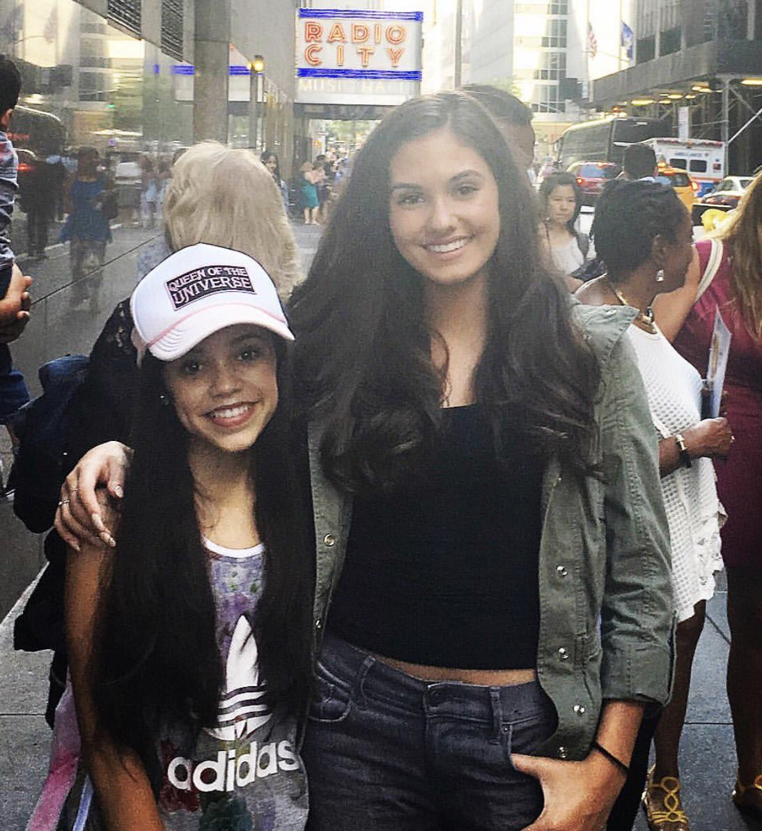 Jenna_Ortega_and_Ronni_Hawk_in_NYC_July_15_2016