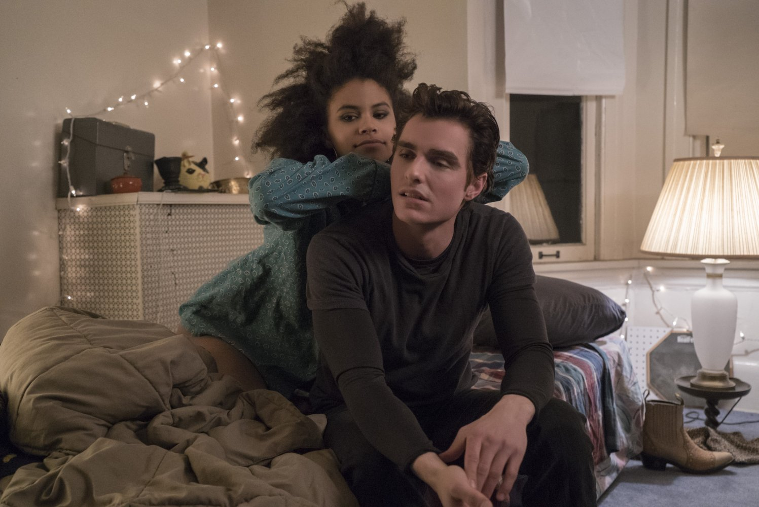 Dave_Franco_and_Zazie_Beetz_in_Easy