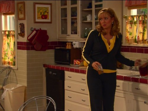 Megyn_Price_in_Grounded_for_Life