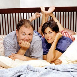 Still Standing: Mark Addy And Jami Gertz   Sitcoms Online Photo Galleries.