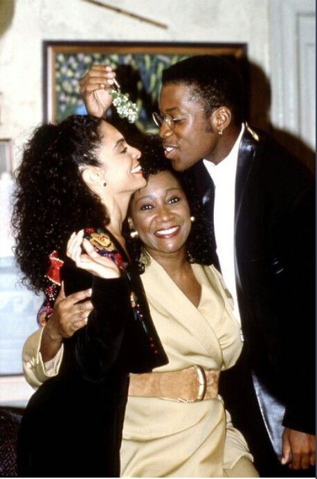 Jasmine_Guy_Kadeem_Hardison_Patti_Labelle_on_the_set_of_A_Different_World