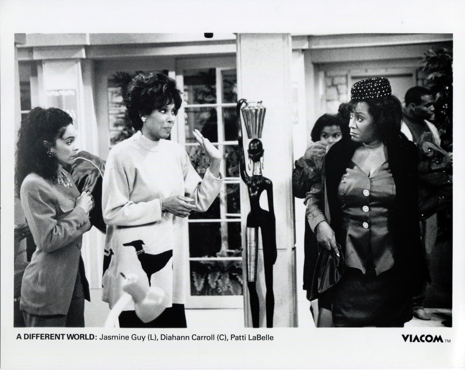 Vintage_photo_of_Jasmine_Guy_Diahann_Carroll_in_A_DIFFERENT_WORLD_C059