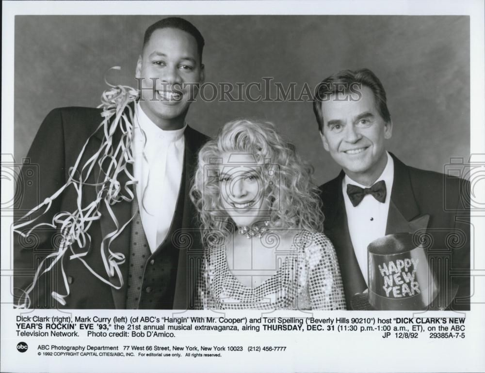 1992_Press_Photo_Dick_Clark_New_Year_s_Rockin_Eve_1993_Mark_Curry_Tori_Spelling