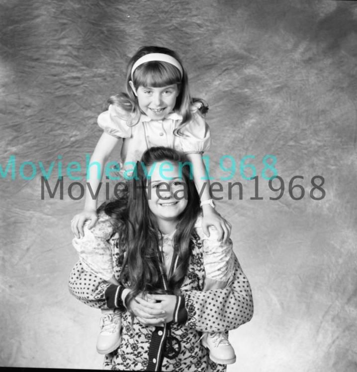 Chelsea Hertford Nude Photos 70