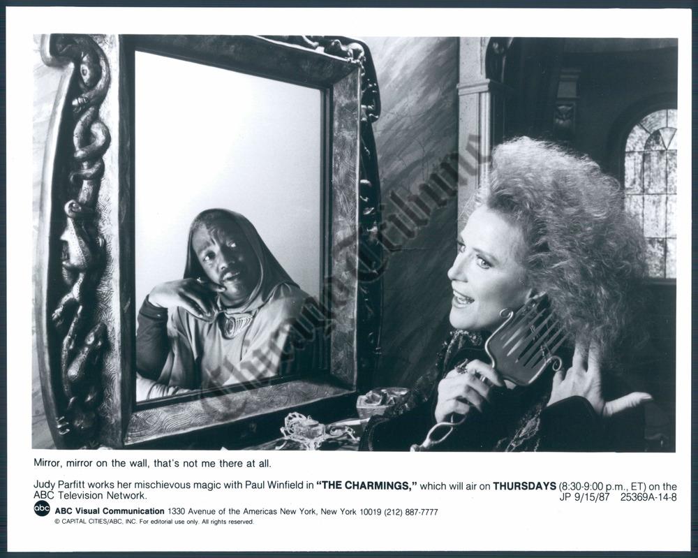 Evelyn Ashford 5 Olympic medals,Gina Yashere Adult photo Janet Banzet,Tea Leoni