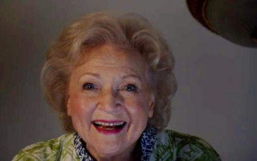 Betty White on Hot in Cleveland - Sitcoms Online Photo ...
